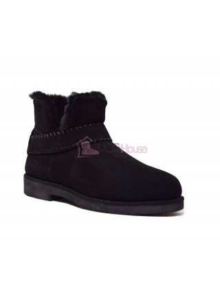 UGG McKay Classic Boot Black